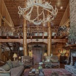 Mountain Construction uses natural elements in a custom home construction.
