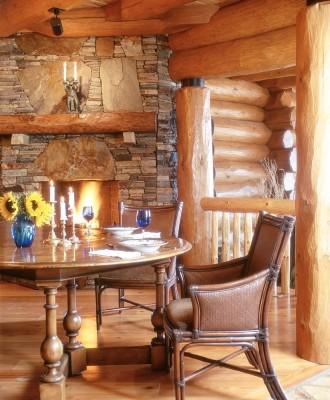 Round log family estate