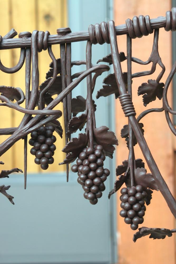 handcrafted iron rails create accent in tennessee