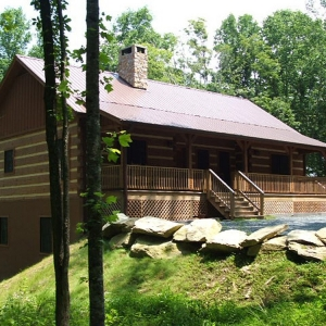 Log Cabin in Valle Crucis near Watauga River
