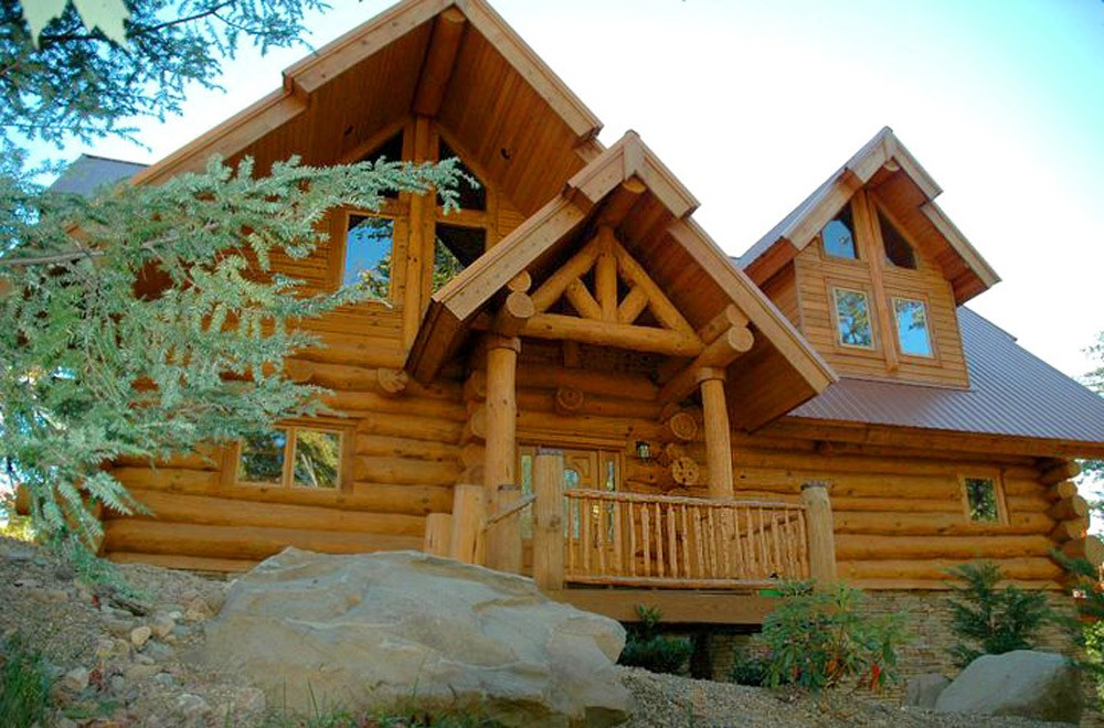 Full scribe round log home mountain construction for Log frame house