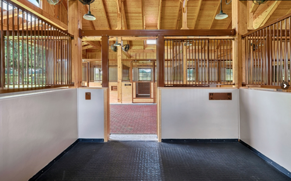 Ocala Barn Interior Mountain Construction