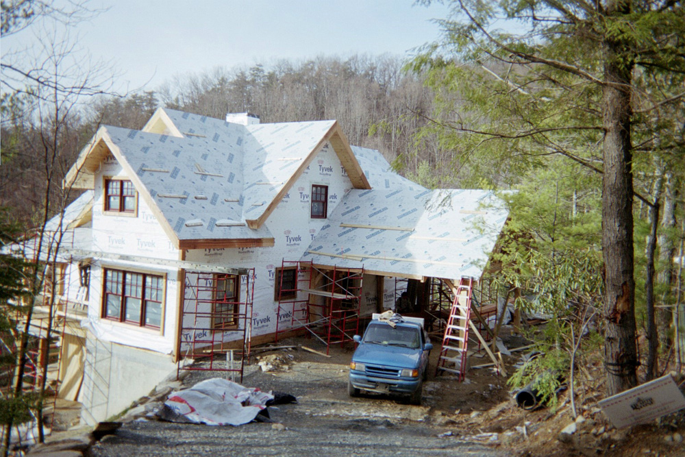 blowing rock properties, chetola builder