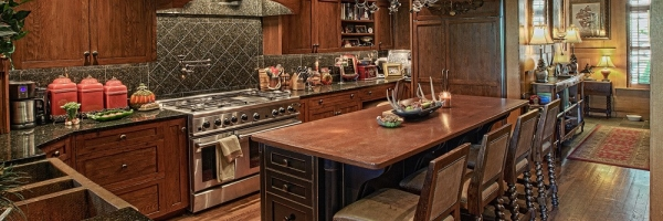 Wood and granite elements create a unique mountain style